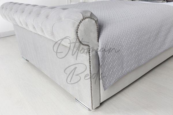 Chesterfield sleigh ottoman bed 4