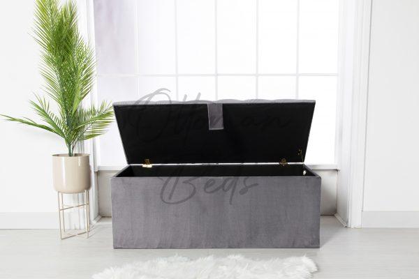 chesterfield blanket box 3