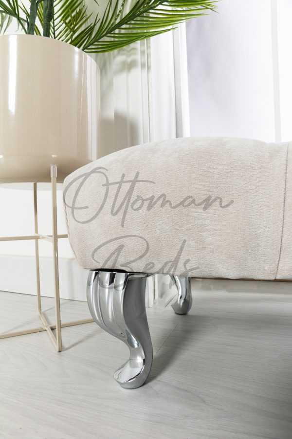 Chesterfield foot stool 3